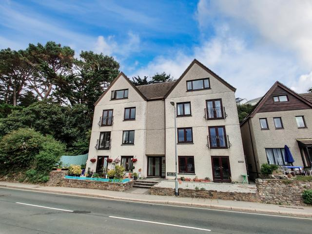 2 Bedroom Flat For Sale In Truro On Boomin