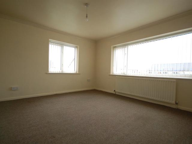 2 Bedroom Flat To Rent In 36 Lindsay Court On Boomin