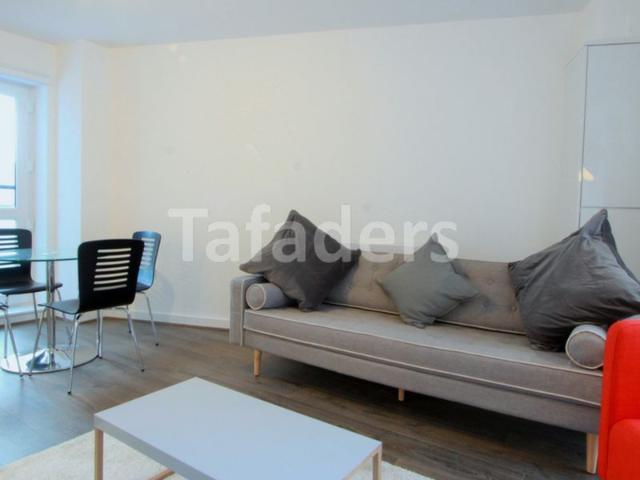 2 Bedroom Flat To Rent In Highland Court, Cudworth Street, Bethnal Green, E1