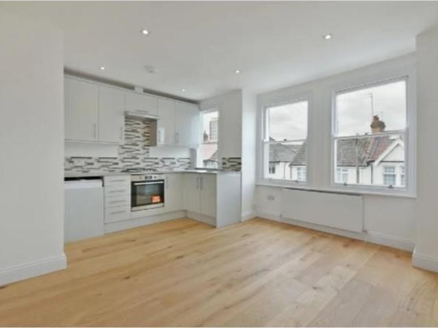 2 Bedroom Flat To Rent In Russell Road, West Hendon, London On Boomin