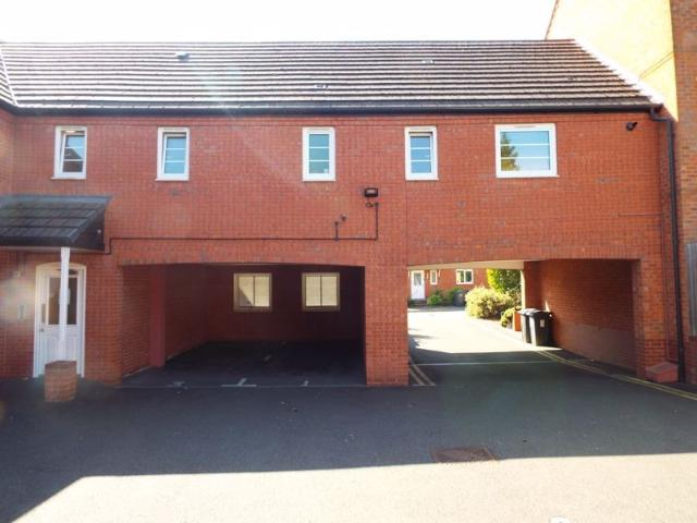 2 Bedroom Flat To Rent In Ten Acre Mews, Stirchley, Birmingham, B30 2bf On Boomin