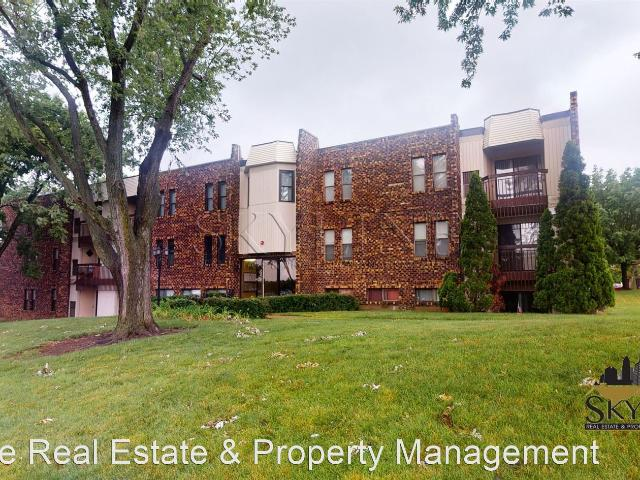 2 Bedroom Home For Rent At 2287 Country Club Dr #25, Woodridge, Il 60517