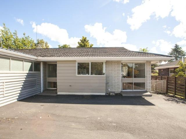2 Bedroom House Awesome Location