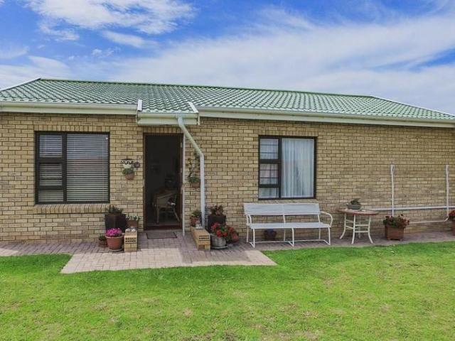 2 Bedroom House For Sale In Jeffreys Bay Central