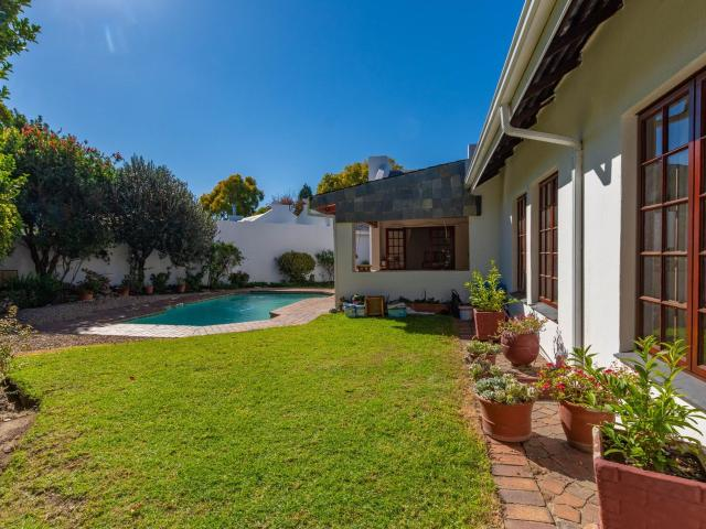 2 Bedroom House In Lonehill