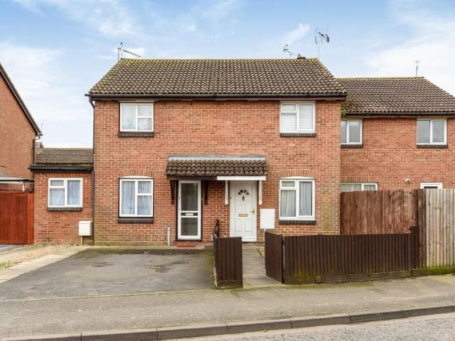 2 Bedroom House To Rent In The Coppice, Aylesbury, Hp20 On Boomin