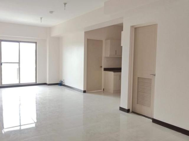 2 Bedroom With Maid's Room In Fairway Terraces Villamor Airbase Pasay Near Airport Ready F...