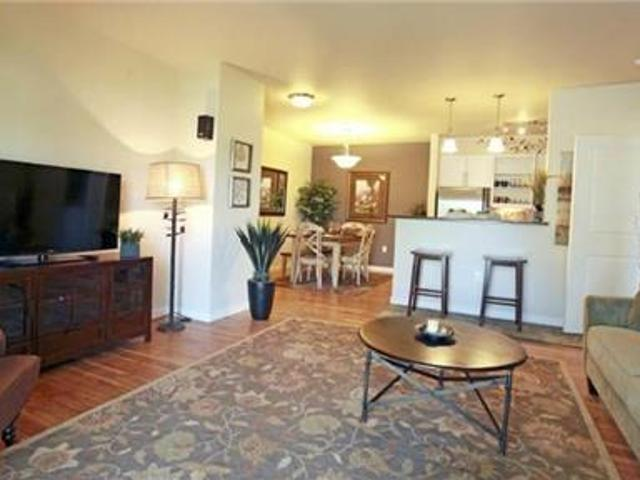 2 Bedrooms Apartment Nestled In A Great South Richland Neighborhood