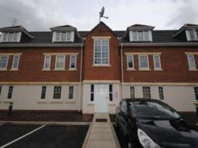 2 Bedrooms Flat For Rent In Cranberry Court, Ashton In Makerfield, Wigan Wn4