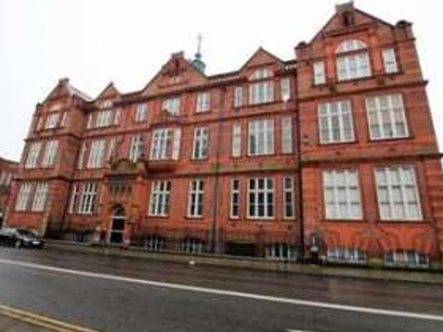 2 Bedrooms Flat For Sale In Great Moor Street, Bolton Town Centre, Bolton Bl1