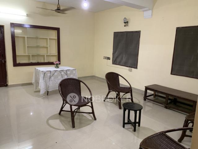 2 Bhk Flat For Rent In Standalone Building In Vadapalani