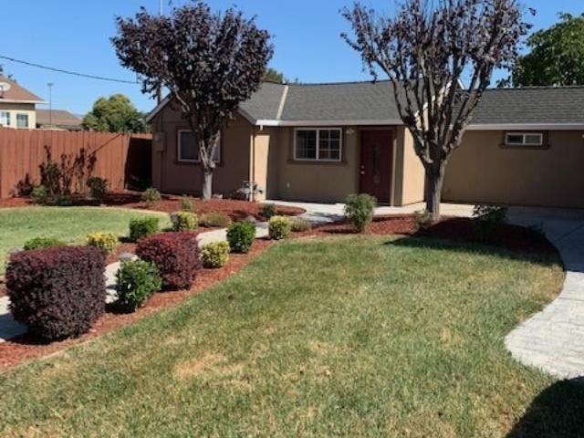 2 Br, 1 Bath Apartment 14500 Crowner Ave 14500 Crowner Ave Crowner Ave 14500 #a