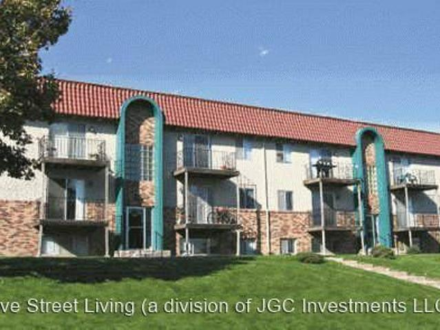 2 Br, 1 Bath Apartment 3102 3126 S 69th Ave 3122 S 69th Ave #08