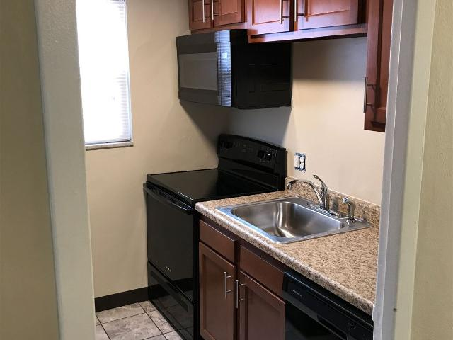 2 Br, 1 Bath Garden Style 1 4 Stories Baldwin Tenant Pays Electric Only Gas Included Now O...