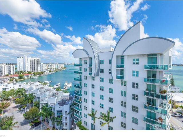 2 Br, 2 Bath Condo 7900 Harbor Island Pent House Unit With High Ceilings At Fabulous Gated...