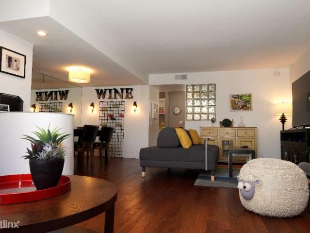 2 Br, 3 Bath Townhome 5456 Hermitage Ave