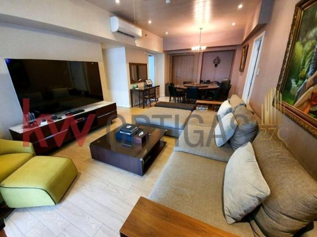 2 Br In One Shangri La Place North Tower