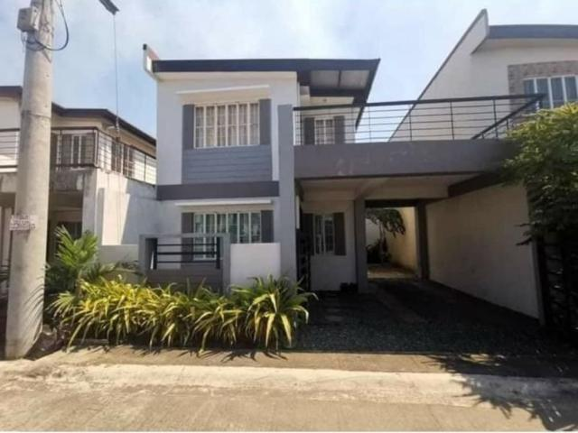 2 Storey Town House Pre Owned Oakwood
