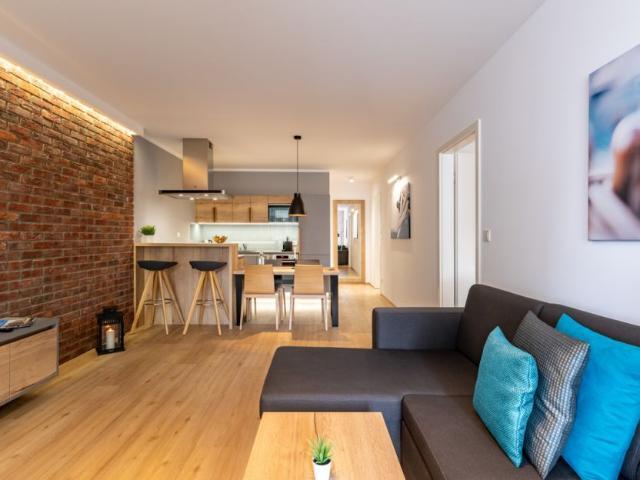 2 Zimmer Apartment neu, modern, hell, hochwertig möbliert, zentrumsnah