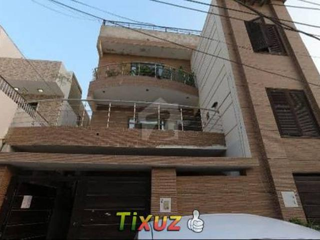 300 Square Yards Lower Portion In Gulshaneiqbal Town For Sale