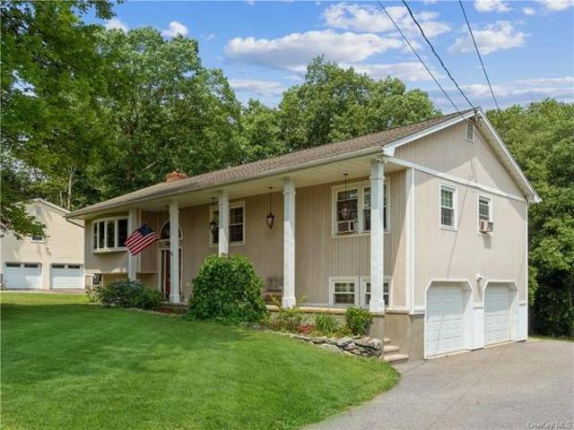 318 Lakeview St, 2662 Sq Ft Raised Ranch Home You39ve Been Waiting For Mahopac, Ny