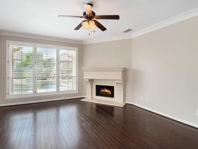 35 Winhall Place, The Woodlands, Tx 77354