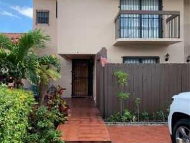 3 Bd, 3 Ba, 1229 Sqft Townhome For Sale Westchester, Florida