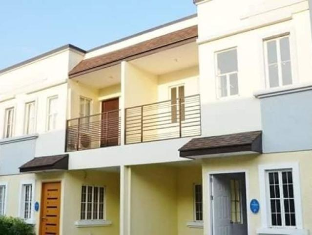 3 Bdrm House And Good Investment Near Ayala And Megaworld