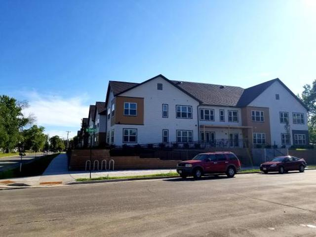 3 Bed, 2nd Floor Move In Ready Lacrosse