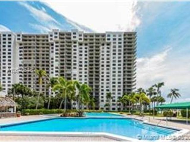 3 Bed Apartment For Rent In Aventura