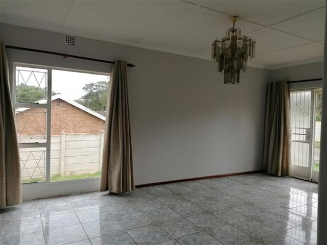 3 Bed House In Humansdorp