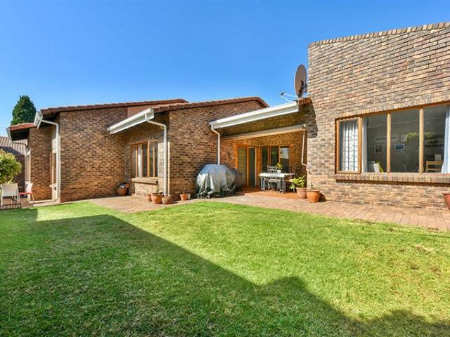 3 Bed House In Lonehill