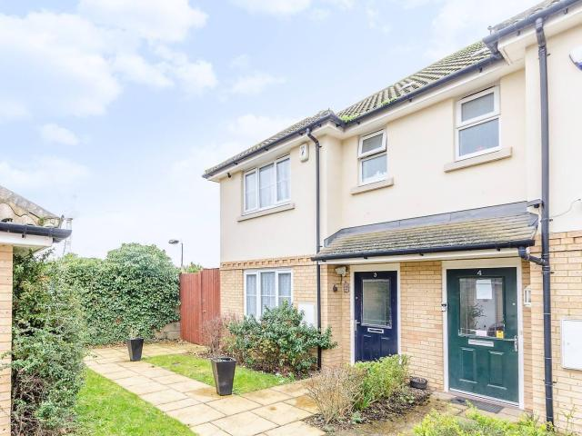 3 Bed Semi Detached House For Rent