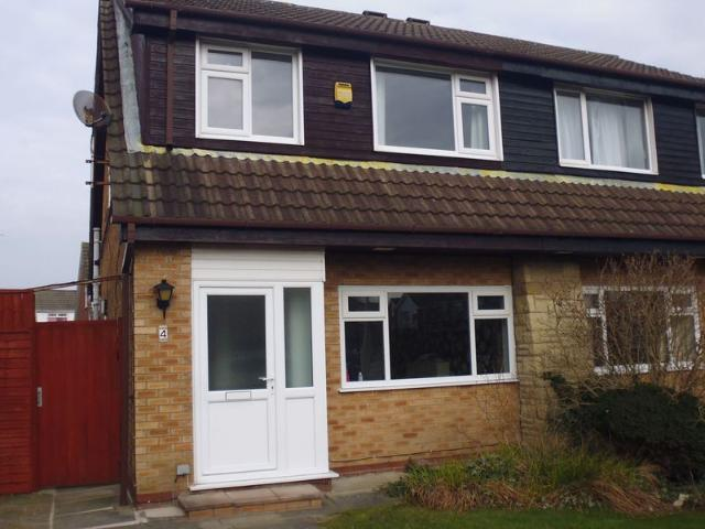 3 Bed Semi Detached House To Rent In Shenley Way, Southport Pr9 Zoopla