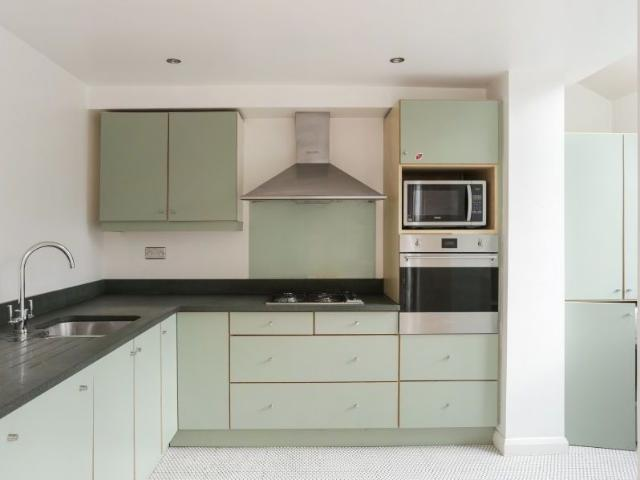 3 Bed Terraced House To Rent In Waldo Road, London Nw10 Zoopla