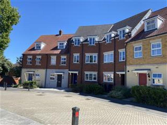 3 Bed Town House