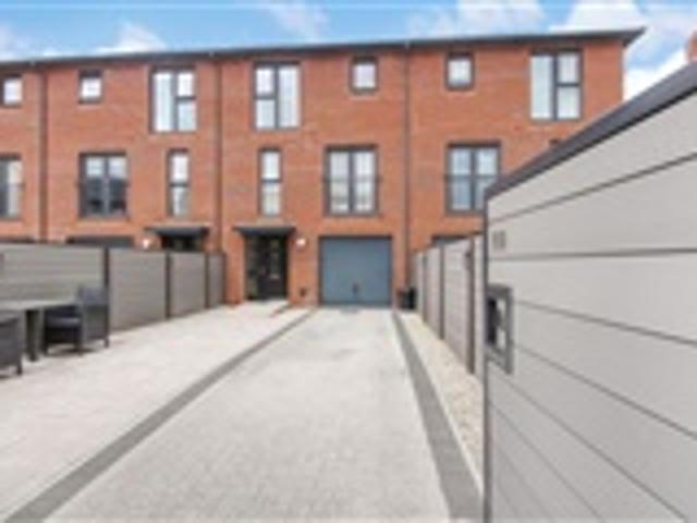 3 Bed Town House For Sale Taw Wharf Barnstaple