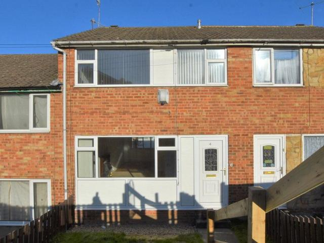 3 Bed Town House To Rent In Broad Lane Close, Bramley, Leeds Ls13 Zoopla