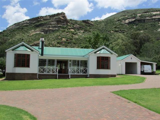 3 Bed Townhouse In Clarens