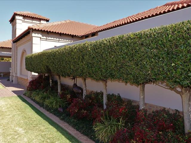 3 Bed Townhouse In Flamwood