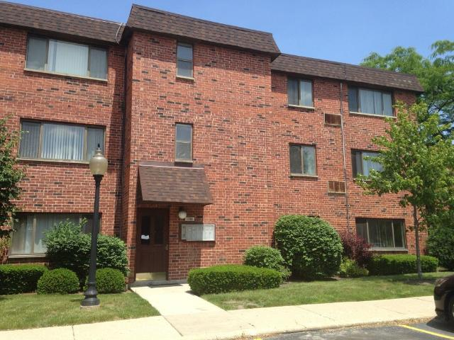 3 Bedroom Apartment For Rent At 1702 West Victoria Drive, Mount Prospect, Il 60056