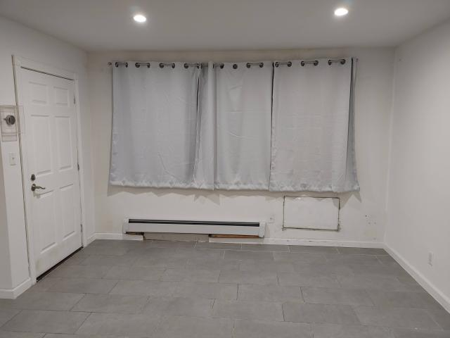 3 Bedroom Apartment For Rent At 23 Dank Ct #1f, New York, Ny 11223 Gravesend