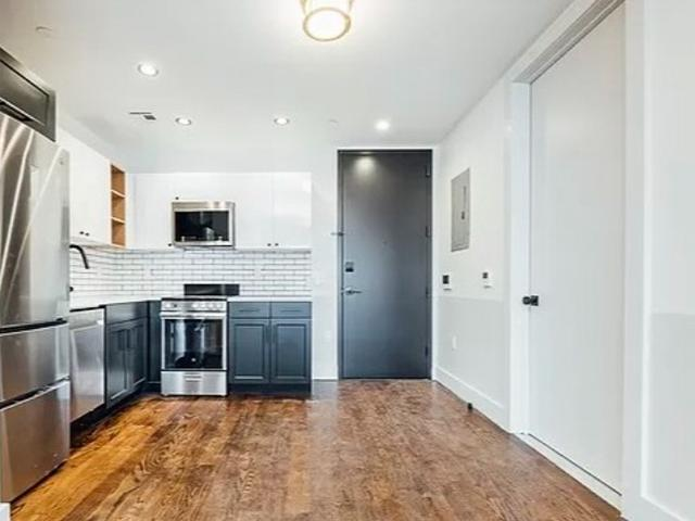 3 Bedroom Apartment For Rent At 3130 37th St #3f, New York, Ny 11103 Astoria