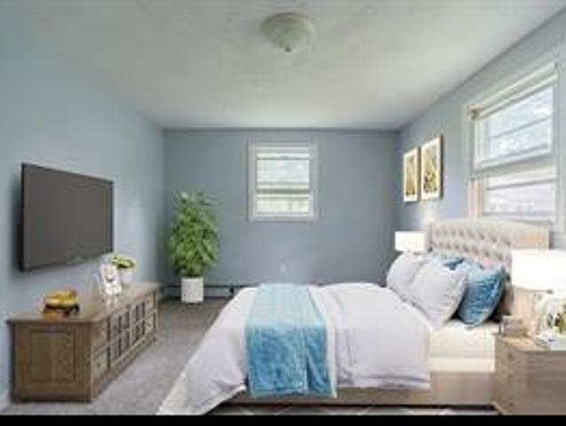 3 Bedroom Apartment For Rent At 6 Acre Ave, Barrington, Ri 02806
