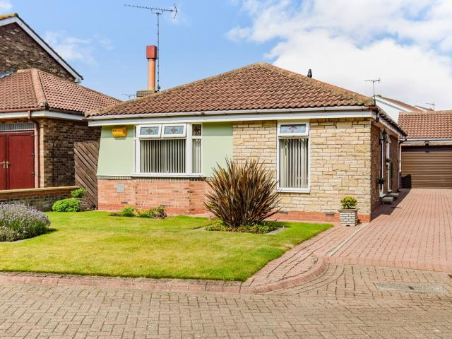 3 Bedroom Bungalow For Sale In Kingfisher Drive, Bridlington, East Riding Of Yorkshire On ...