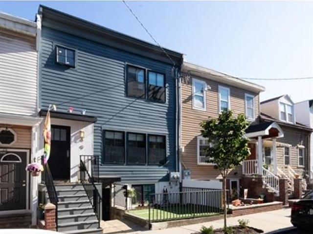 3 Bedroom Detached House Boston Ma For Sale At 969000