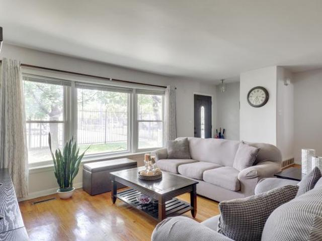 3 Bedroom Detached House Chicago Il For Sale At 325000