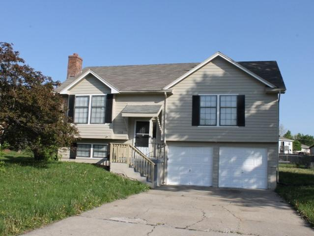 3 Bedroom Home For Rent At 11713 Crystal Dr, Kansas City, Mo 64134 Crossgates