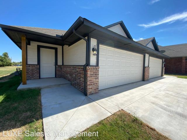 3 Bedroom Home For Rent At 5220 Oakwood Villas Ct, Bethany, Ok 73008