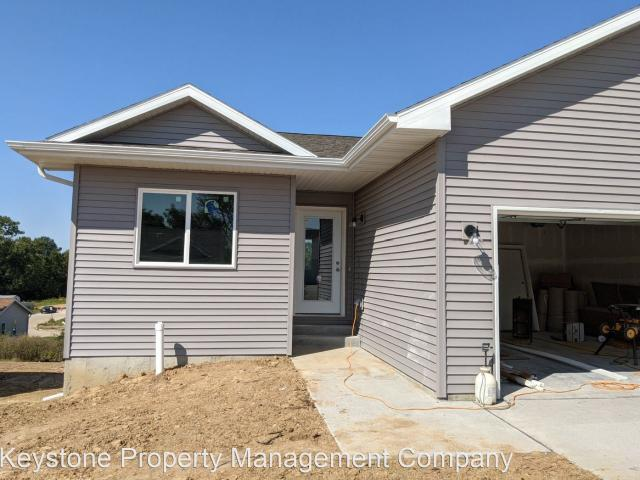 3 Bedroom Home For Rent At 822 Hughes St, Coralville, Ia 52241 Coralville